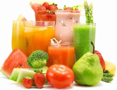 Sau khi phun xăm môi nên bổ sung nhiều vitamin trong rau quả.