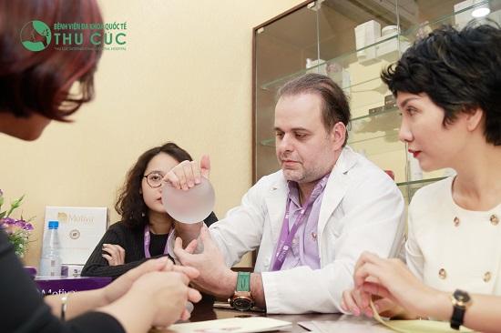 Chuyên gia quốc tế tư vấn nâng ngực tại Thu Cúc